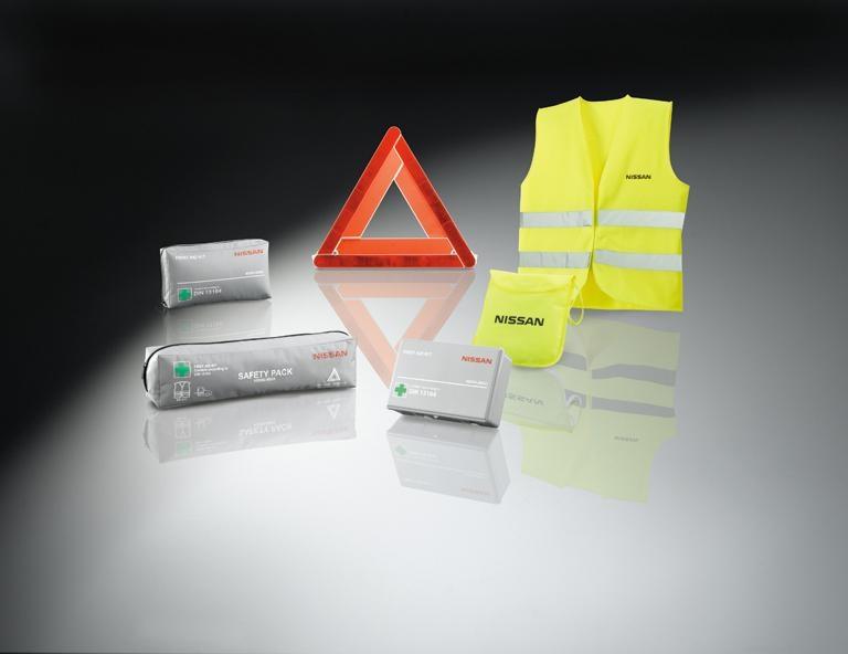 Sicherheitspaket (Verbandmaterial, Warndreieck und Warnweste)